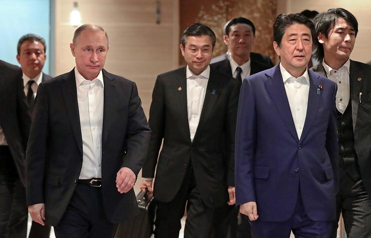 Путин объявил, что обсудил сАбэ заключение мирного контракта