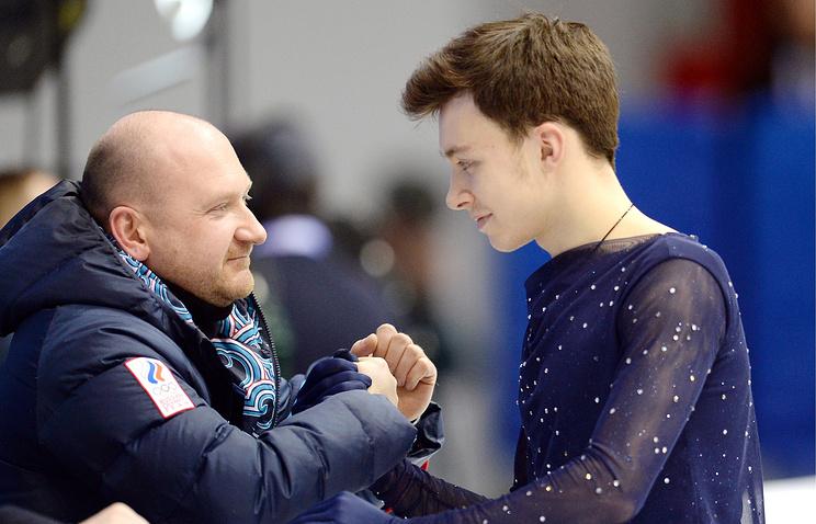 Дмитрий Алиев (справа)