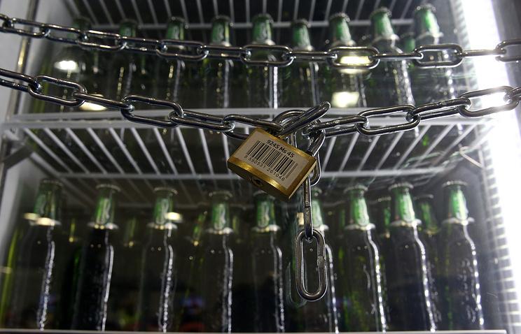 Заповышение возраста для продажи алкоголя высказываются три четверти граждан России