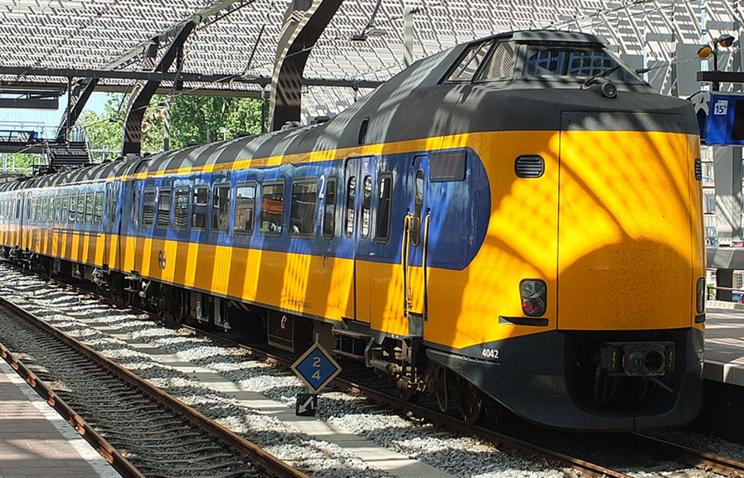 Все электропоезда вНидерландах перешли напитание ответряных станций повыробатыванию электричества