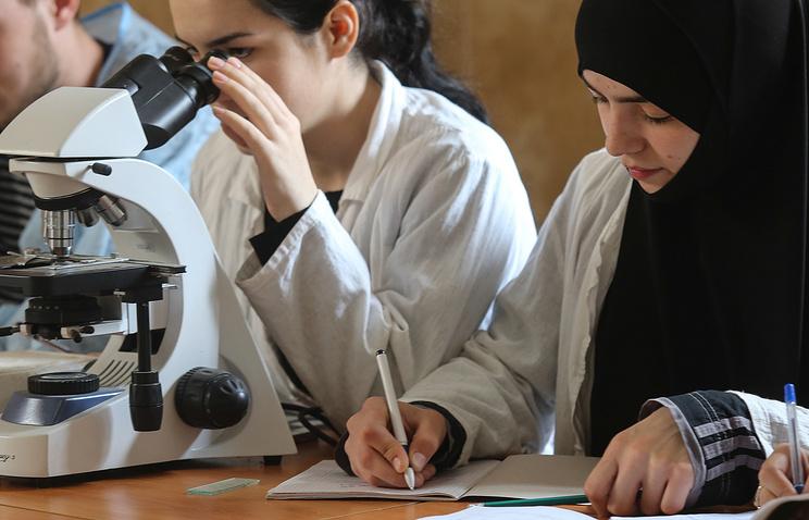 Кадыров— министру образованияРФ: мои дочери никогда неснимут хиджаб вшколе
