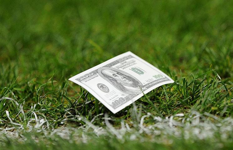 Русские футбольные клубы в минувшем году потратили натрансферы неменее $114 млн