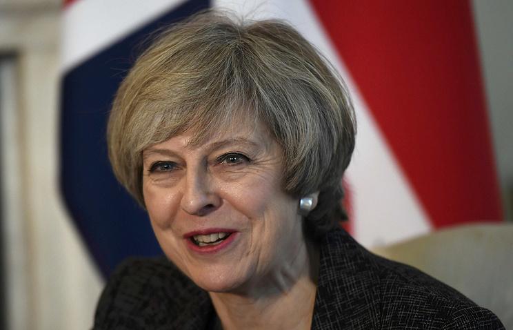 Премьер Великобритании хочет продолжить давление наРФ