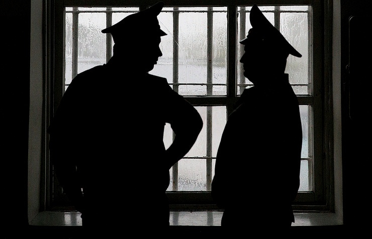 Ямальский наркополицейский, купивший 70 граммов наркотиков, приговорен к10 годам колонии