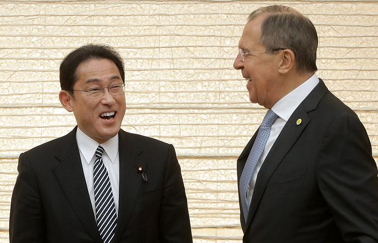 Лавров встретился сглавой МИД Японии