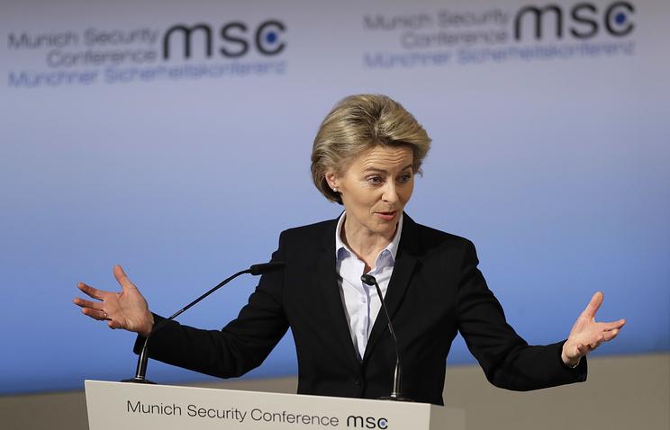 Европа больше неможет полагаться наСША— Министр обороны ФРГ