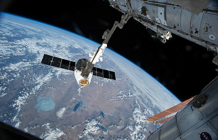 Власти США рекомендовали NASA продолжать доставку астронавтов «Союзами»