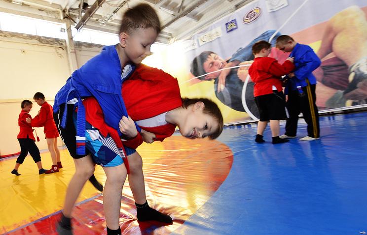 Урок физкультуры на основе самбо в школе