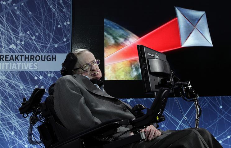 Прикованный кинвалидной коляске физик Стивен Хокинг полетит вкосмос
