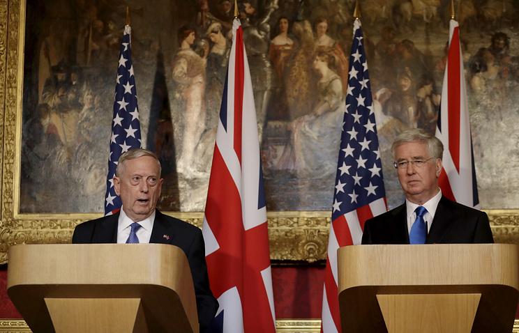 ПосольствоРФ встолице Англии назвало унылыми заявления Мэттиса иФэллона о Российской Федерации