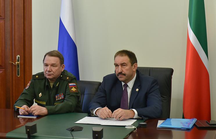 Алексей Песошин (справа)