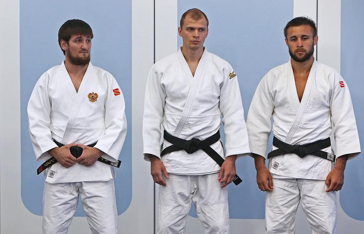 Дзюдоисты сборной команды России Муса Могушков, Денис Ярцев и Уали Куржев (слева направо)