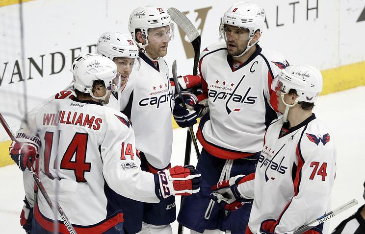 Гол Овечкина помог «Вашингтону» переиграть «Торонто» вматче плей-офф Кубка Стэнли