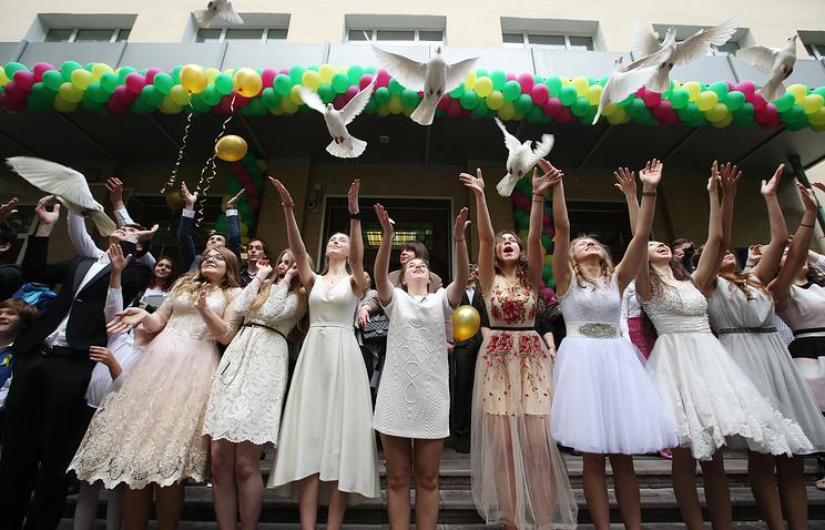 Выпускники школ столицы рассчитывают на заработную плату неменее 80 тыс. руб.