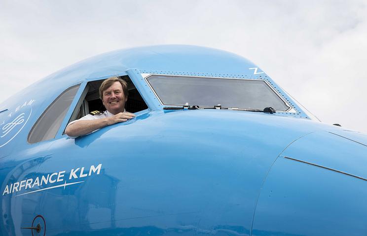 Монарх Нидерландов тайно работает пилотом одной изпассажирских авиакомпаний