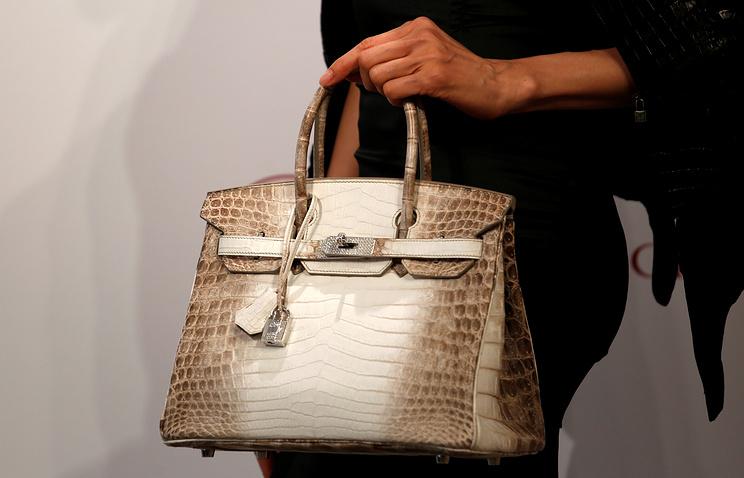 «Бриллиантовая» сумка Hermes продана за $380 тыс.