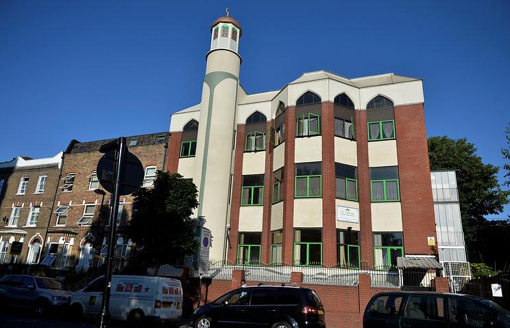 Мечеть в Финсбери-парк, Лондон, 19 июня