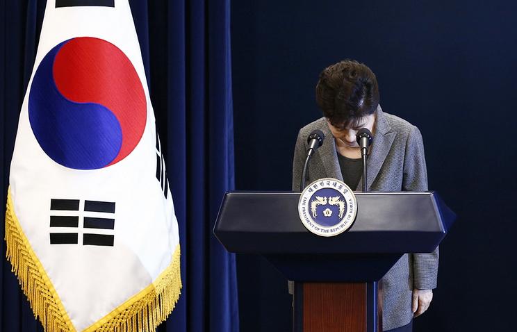 Власти КНДР объявили о вынесении смертного приговора экс-президенту Южной Кореи