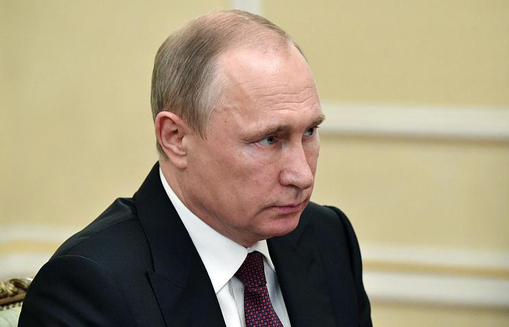 Путин поручил руководству восстановить ряд маршрутов пригородных поездов