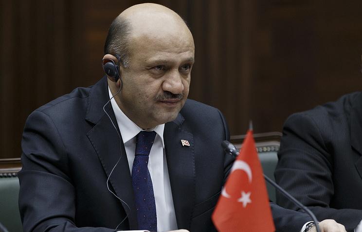 Министр обороны Турции Фикри Ышык