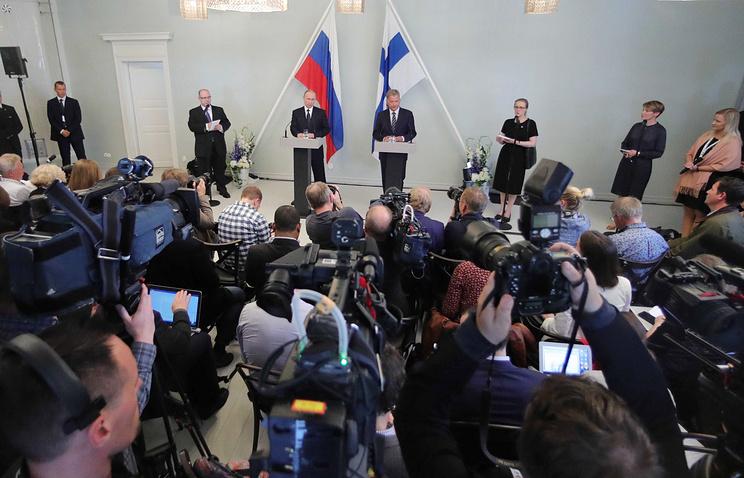 Президент России Владимир Путин и президент Финляндии Саули Нийнисте