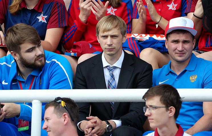 Валерий Пронкин (слева)