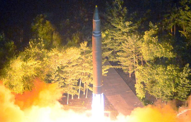 """Запуск межконтинентальной баллистической ракеты """"Хвасон-14"""""""