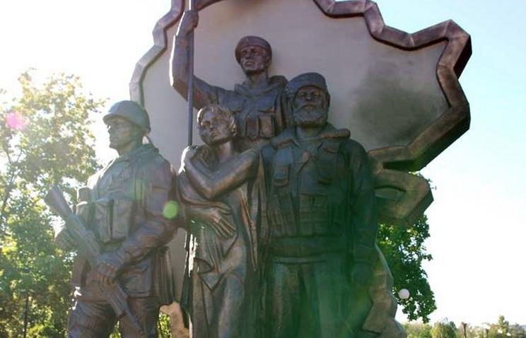 Центр Луганска сотряс мощнейший взрыв— всамопровозглашенной ЛНР поведали оего причинах