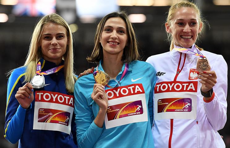 Юлия Левченко, Мария Ласицкене и Камила Лицвинко (слева направо)