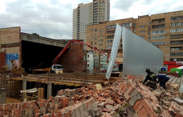 Обрушилась стена кинотеатра вподмосковной Балашихе. Есть пострадавшие
