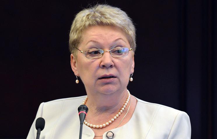 За 2-мя зайцами погонишься: Васильева выступила против второго языка вшколах
