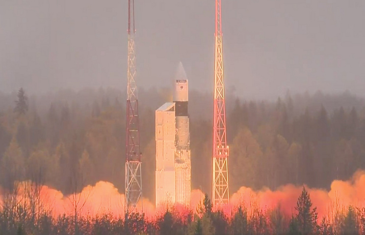 Старт ракеты космического назначения «Рокот»