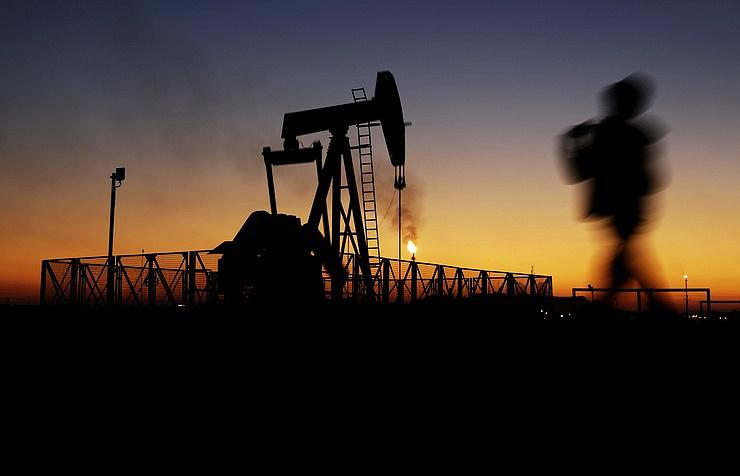 МЭА предсказывает снижение добычи нефти в РФ к 2025-ому