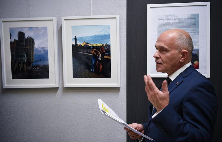 Президент Уральской торгово-промышленной палаты Андрей Беседин на открытии фотовыставки