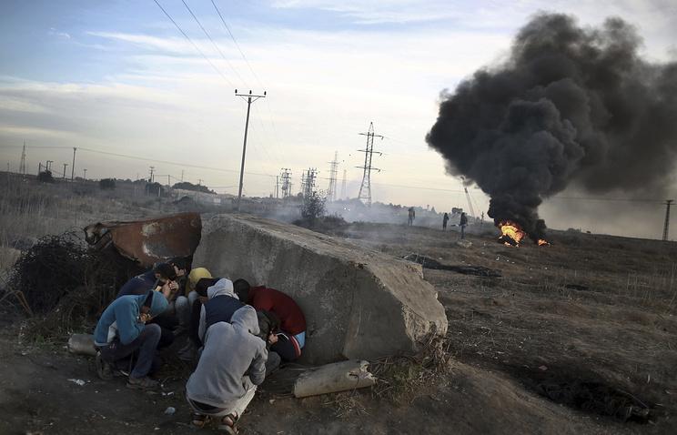 Израиль атаковал посты ХАМАС в секторе Газа в ответ на ракетный обстрел