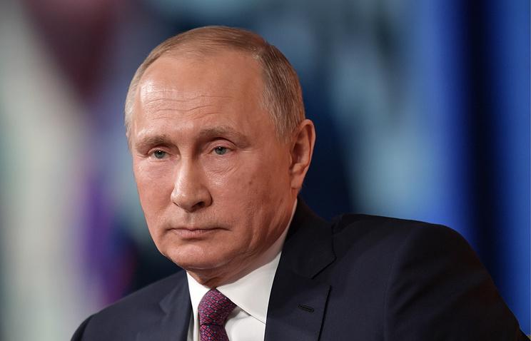 Шойгу поощрил охранявших Владимира Путина вСирии военных