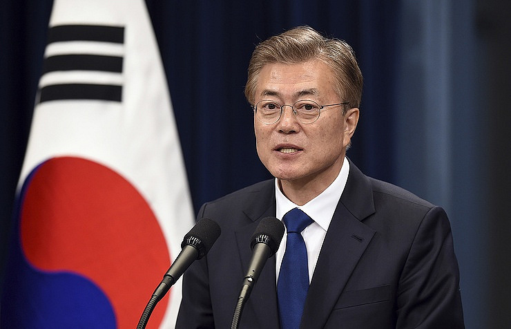 Сеул готов раздельно обговаривать  улучшение отношений сПхеньяном иденуклеаризацию КНДР