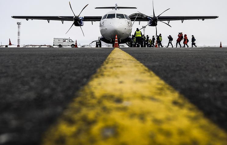 Взлетно-посадочная полоса в аэропорту Толмачево