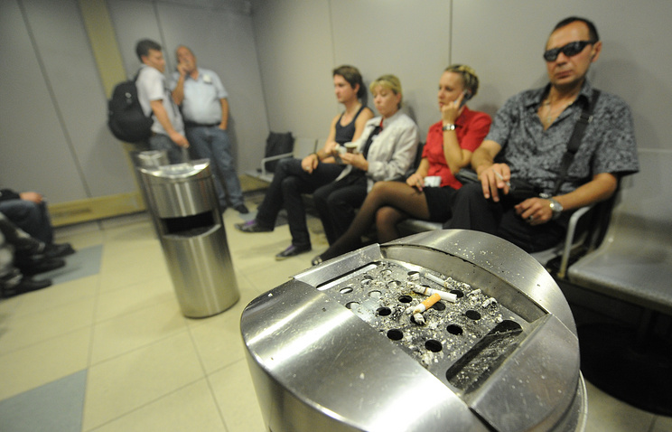 Зоны для курильщиков могут появиться в русских аэропортах
