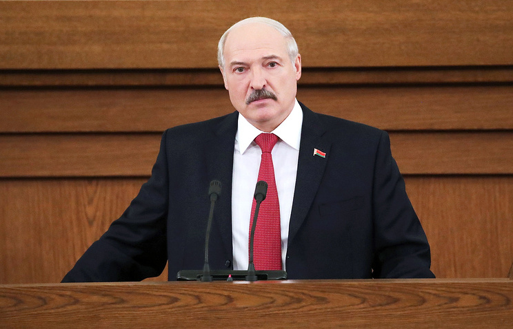 Лукашенко заявил, что власти не должны держать белорусов «в черном теле»