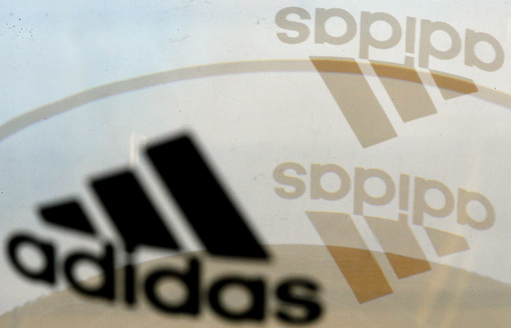 Вгосударстве Украина пригрозили Adidas уголовной ответственностью засимволику СССР