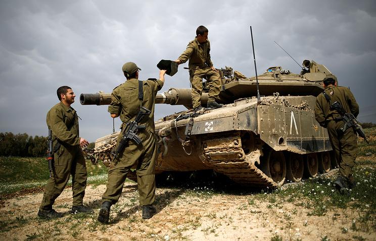 Израильский танк поразил пост ХАМАС в секторе Газа в ответ на размещение фугаса