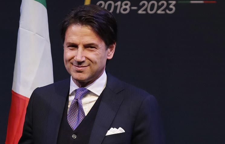 Президенту Италии грозит импичмент. Онотказался назначить одного изминистров