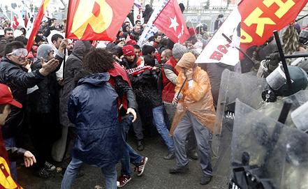 """Акция в поддержку дела """"Эргенекон"""" в Стамбуле. Фото EPA/ИТАР-ТАСС"""