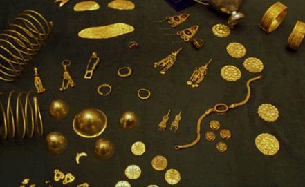 Сарматские  золотые украшения, найденные в курганах ранее. Фото ИТАР-ТАСС/Валерий Матыцин