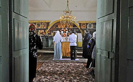 Венчание. Фото ИТАР-ТАСС/ Михаил Мордасов