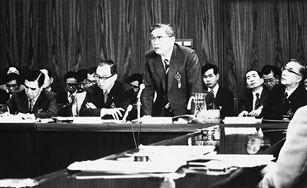 Эйдзи Тоёда (в центре), 1974 год. Фото toyota-global.com