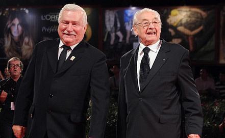 Бывший президент Польши Лех Валенса и режиссер Анджей Вайда. Фото ИТАР-ТАСС/ EPA/ ETTORE FERRARI
