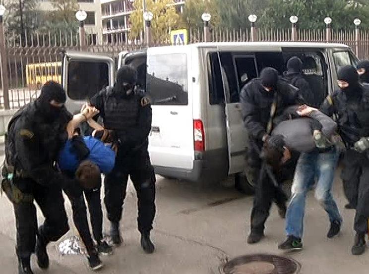 Задержание подозреваемых в жестоком избиении водителя автомобиля Mazda. Фото ИТАР-ТАСС/ пресс-служба ГУ МВД РФ по Москве