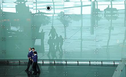 "Пассажирский терминал ""А"" во ""Внуково"". Фото ИТАР-ТАСС/ Сергей Карпов"